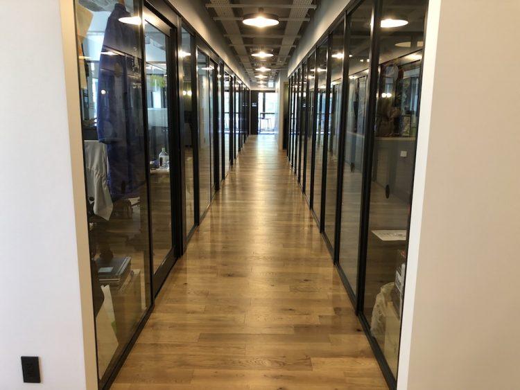 WeWork 新橋 2階 個室エリア